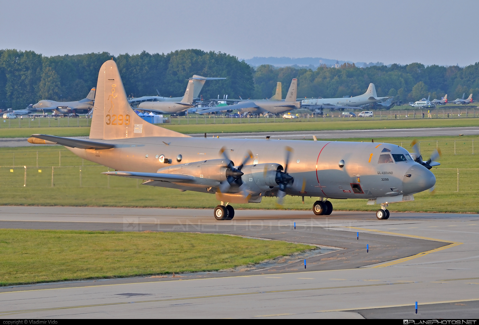 Lockheed P-3C Orion - 3299 operated by Luftforsvaret (Royal Norwegian Air Force) #lockheed #lockheedorion #lockheedp3 #natodays2016 #p3cOrion #p3orion #rnoaf #royalnorwegianairforce