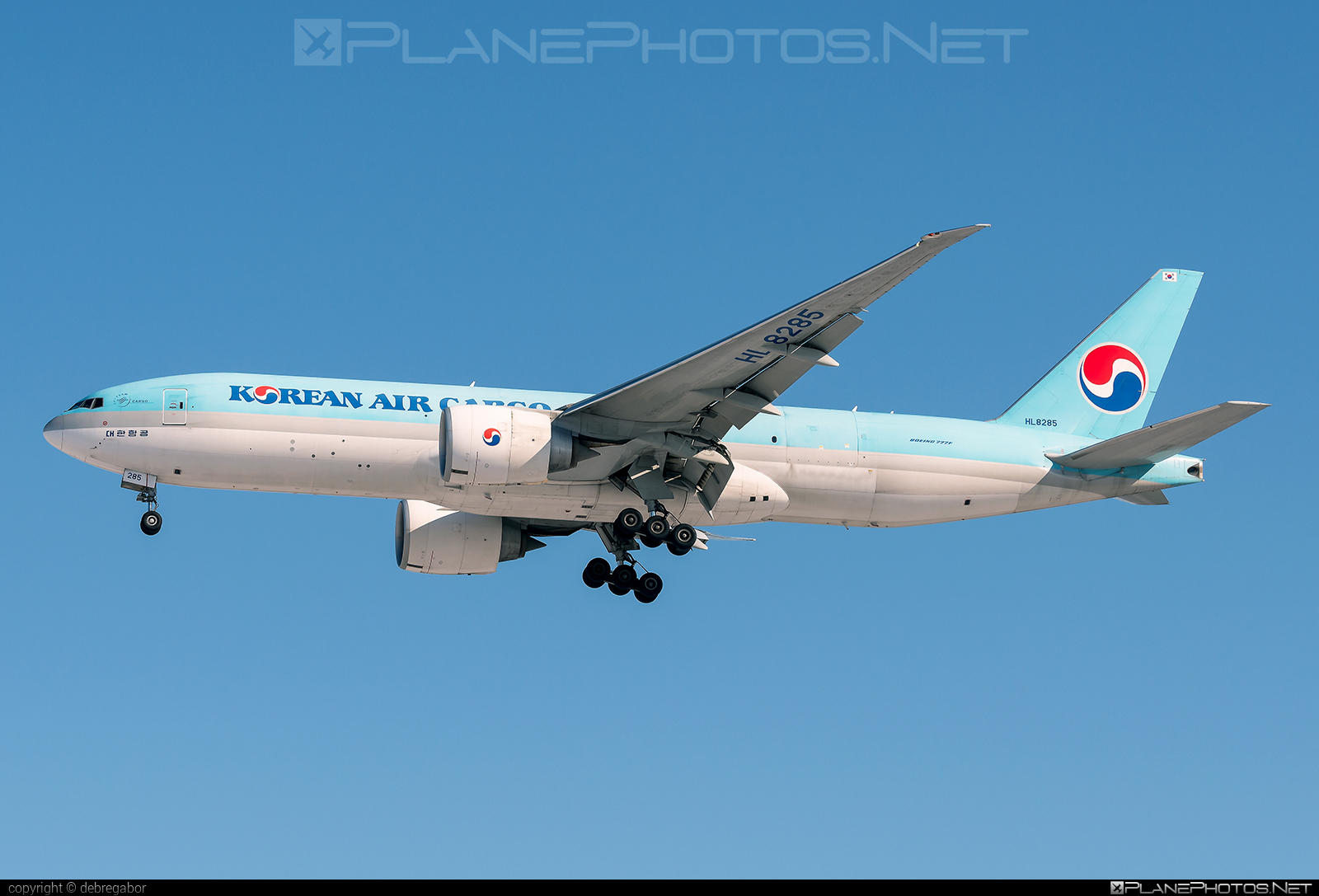 Boeing 777F - HL8285 operated by Korean Air Cargo #b777 #b777f #b777freighter #boeing #boeing777 #koreanair #koreanaircargo #tripleseven