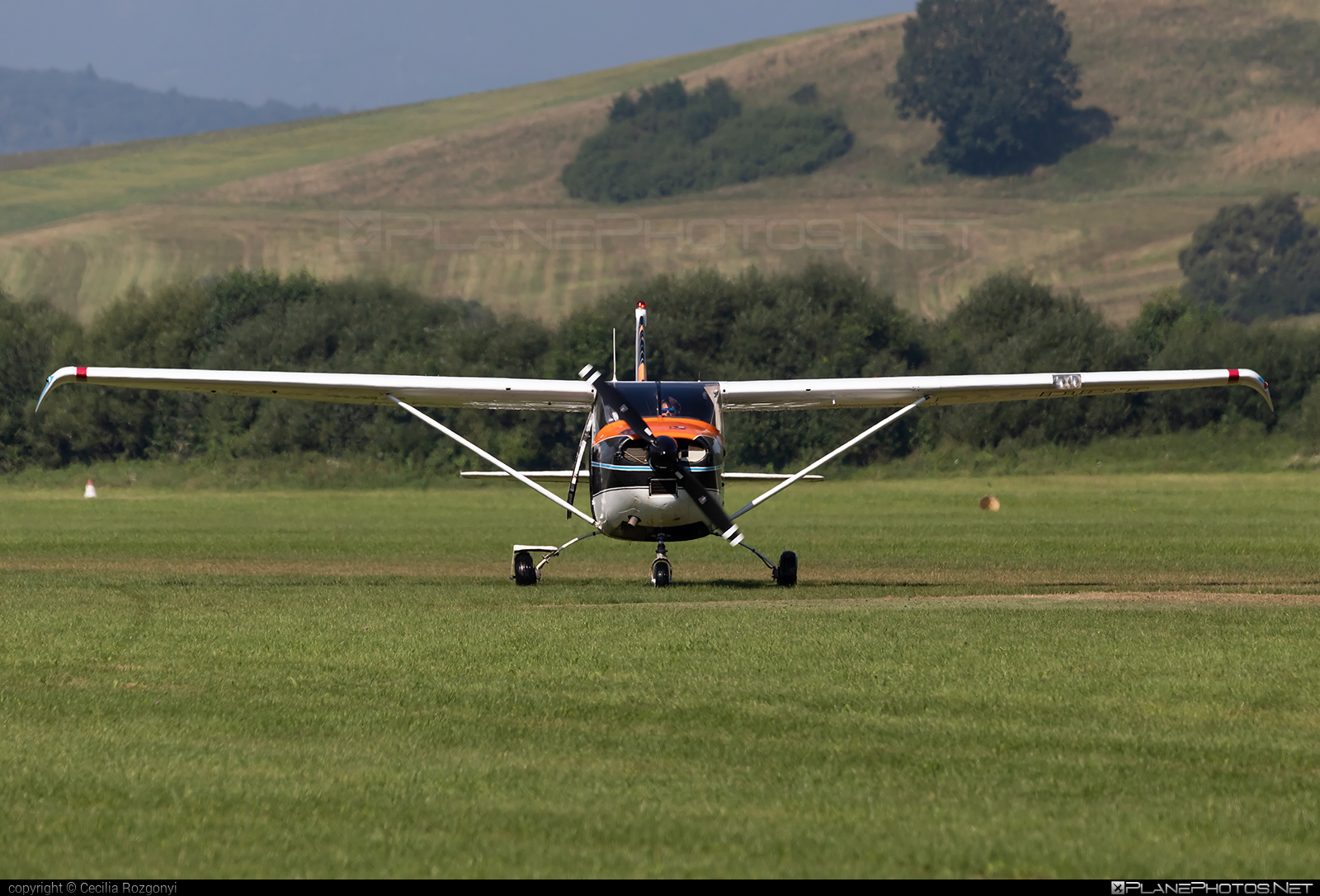 Cessna 182E Skylane - OM-DBT operated by Slovenský národný aeroklub (Slovak National Aeroclub) #cessna #cessna182 #cessna182e #cessna182eskylane #cessna182skylane #cessnaskylane