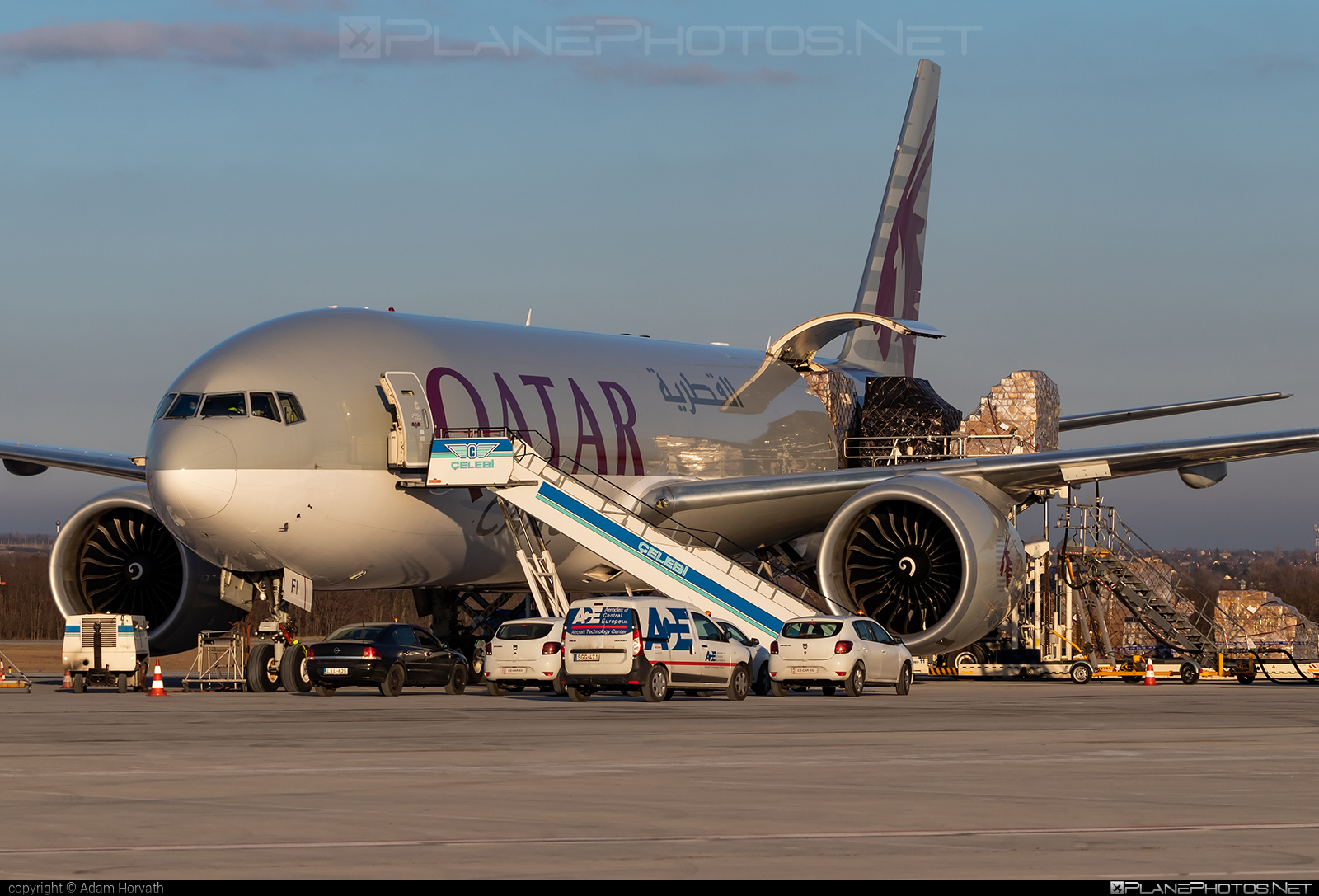 Boeing 777F - A7-BFI operated by Qatar Airways Cargo #b777 #b777f #b777freighter #boeing #boeing777 #qatarairwayscargo #tripleseven