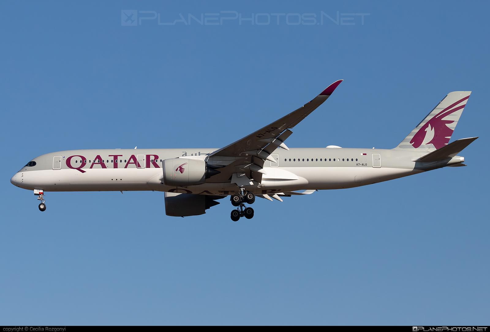 Airbus A350-941 - A7-ALO operated by Qatar Airways #a350 #a350family #airbus #airbus350 #qatarairways #xwb