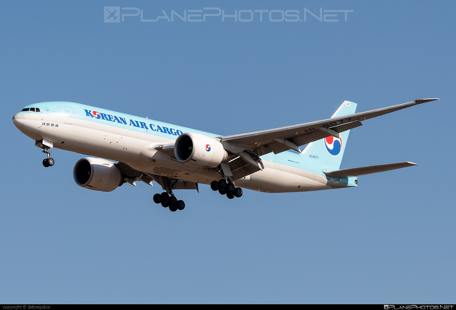 Boeing 777F - HL8077 operated by Korean Air Cargo #b777 #b777f #b777freighter #boeing #boeing777 #koreanair #koreanaircargo #tripleseven