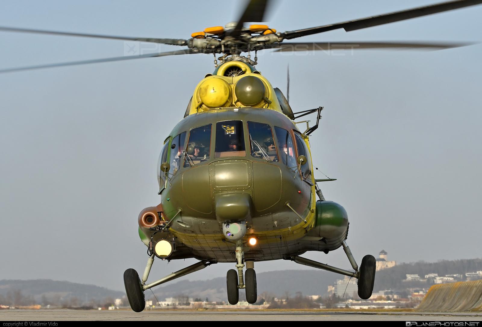 Mil Mi-17LPZS - 0820 operated by Vzdušné sily OS SR (Slovak Air Force) #mi17 #mi17lpzs #mil #milhelicopters #milmi17 #milmi17lpzs #slovakairforce #vzdusnesilyossr