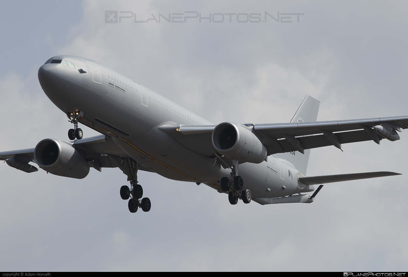 Airbus Military A330-243 MRTT - T-054 operated by Koninklijke Luchtmacht (Royal Netherlands Air Force) #a330 #a330mrtt #airbus330 #airbusmilitary #koninklijkeluchtmacht #royalnetherlandsairforce