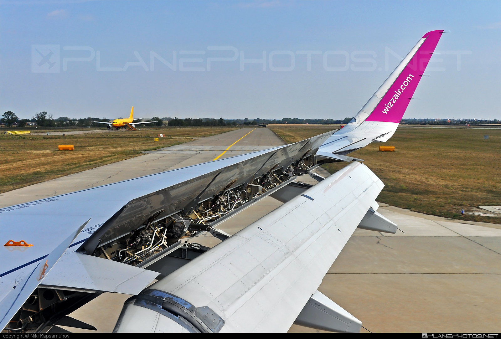 Airbus A320-232 - HA-LYS operated by Wizz Air #a320 #a320family #airbus #airbus320 #wizz #wizzair