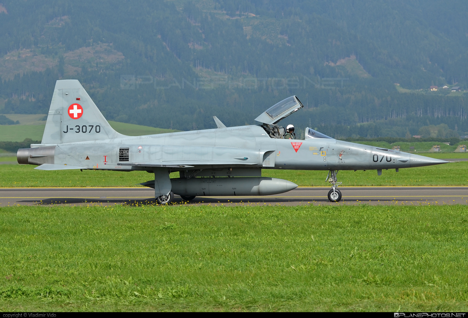 Northrop F-5E Tiger II - J-3070 operated by Schweizer Luftwaffe (Swiss Air Force) #f5etiger #northrop #northropf5 #northropf5etiger #northropf5etigerii #schweizerluftwaffe #swissairforce