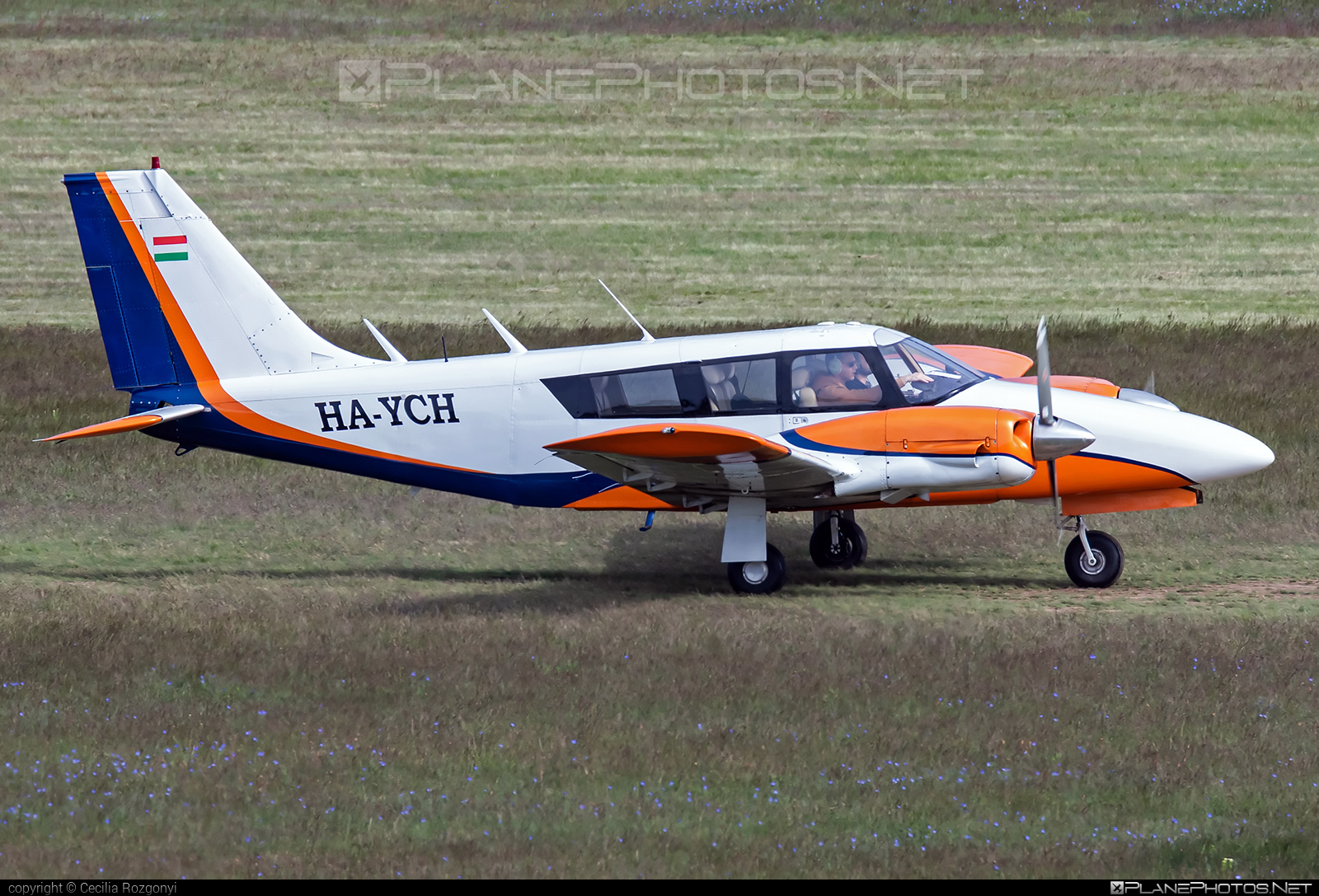 Piper PA-34-200 Seneca - HA-YCH operated by Fly-Coop #flycoop #pa34 #pa34200 #pa34200seneca #pa34seneca #piper #piperpa34 #piperpa34seneca #piperseneca