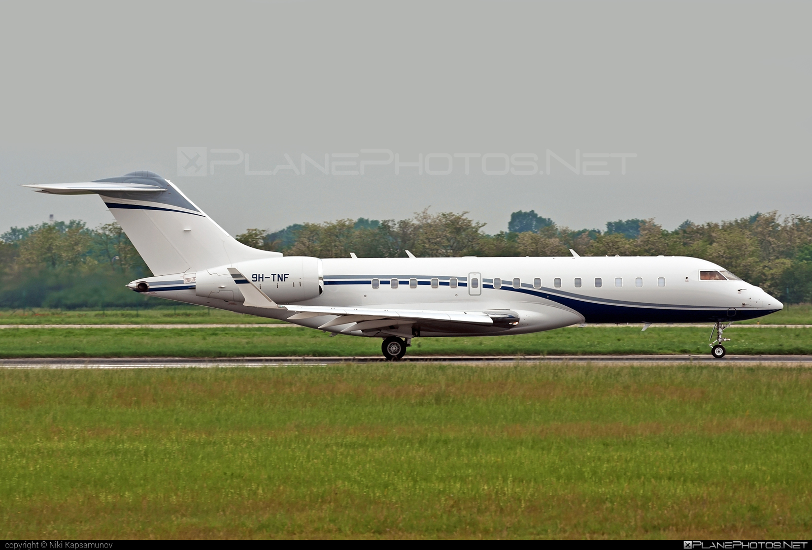 Bombardier Global 6000 (BD-700-1A10) - 9H-TNF operated by Albinati Aeronautics #albinatiaeronautics #bd7001a10 #bombardier #bombardierglobal6000 #global6000