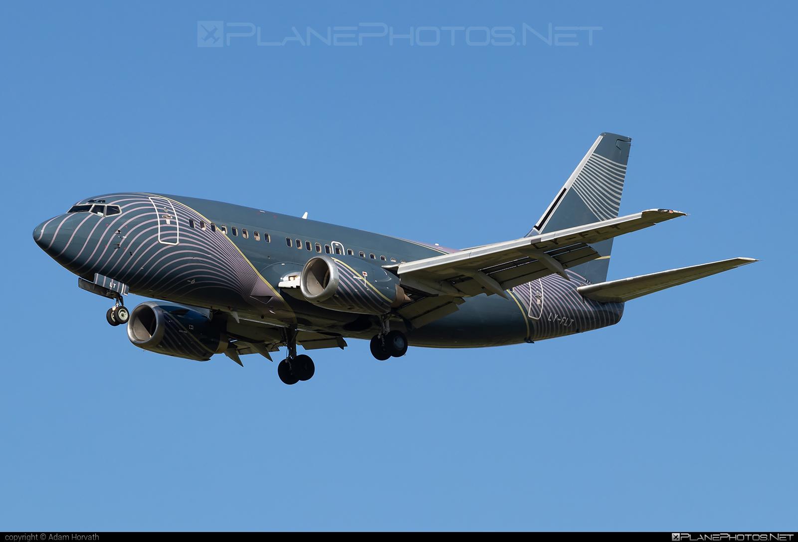 Boeing 737-500 - LY-FLT operated by KlasJet #b737 #boeing #boeing737 #klasjet