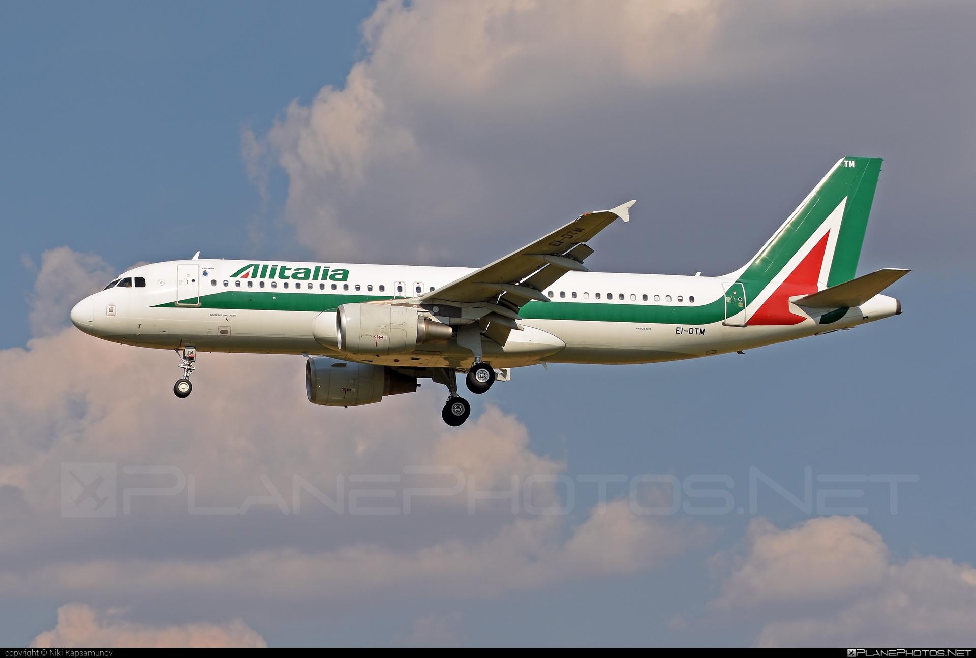 Airbus A320-216 - EI-DTM operated by Alitalia #a320 #a320family #airbus #airbus320 #alitalia