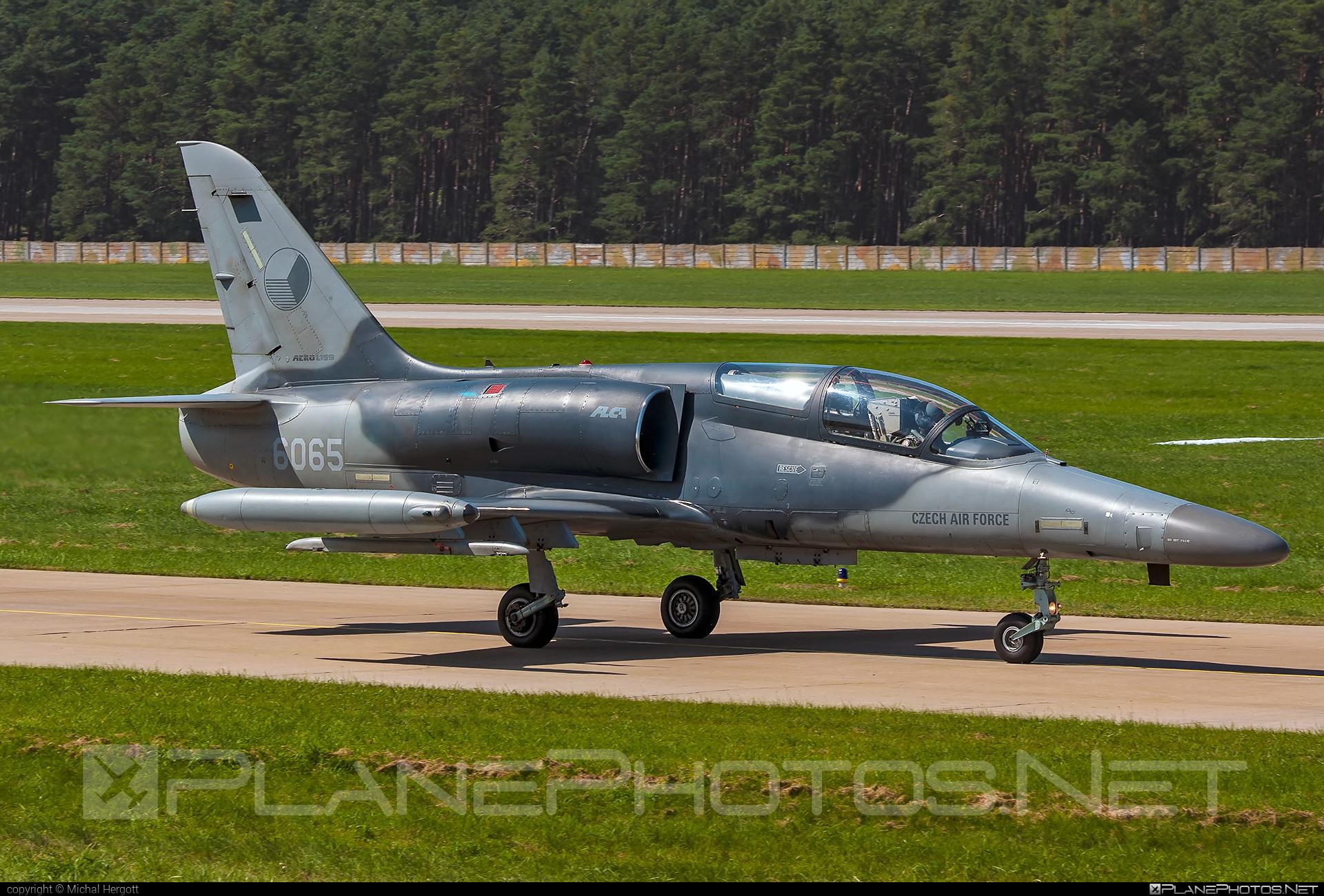 Aero L-159A Alca - 6065 operated by Vzdušné síly AČR (Czech Air Force) #aero #aerol159 #aerol159aalca #aerol159alca #czechairforce #l159 #l159a #l159aalca #l159alca #siaf2021 #vzdusnesilyacr