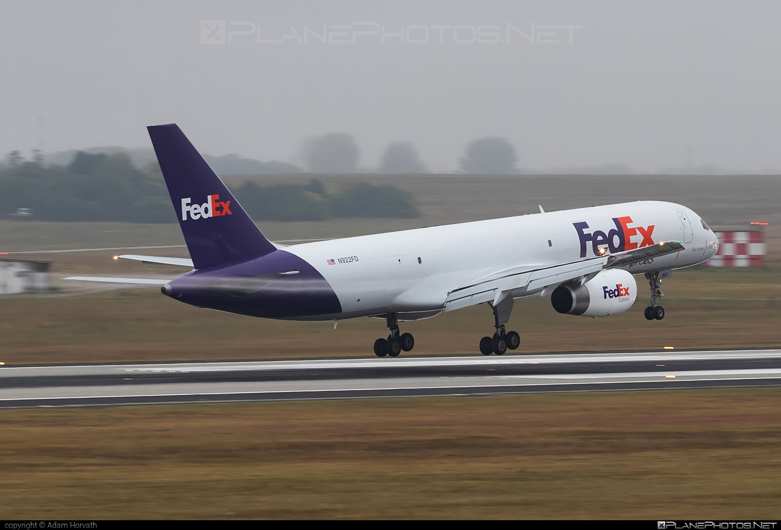Boeing 757-200SF - N922FD operated by FedEx Express #b757 #boeing #boeing757 #fedex #fedexairlines #fedexexpress