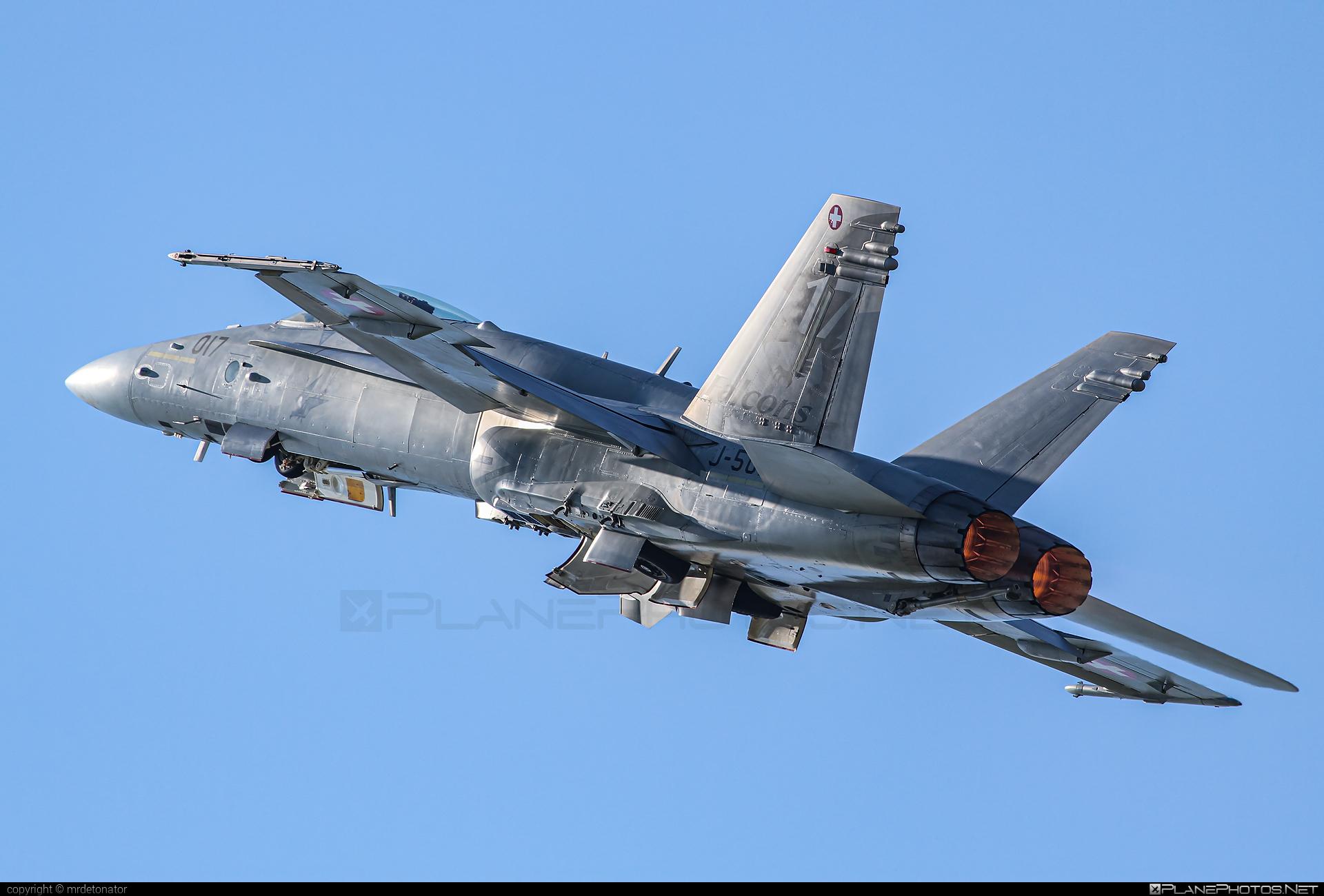 McDonnell Douglas F/A-18C Hornet - J-5017 operated by Schweizer Luftwaffe (Swiss Air Force) #f18 #f18hornet #fa18 #fa18c #fa18hornet #mcdonnelldouglas #schweizerluftwaffe #swissairforce