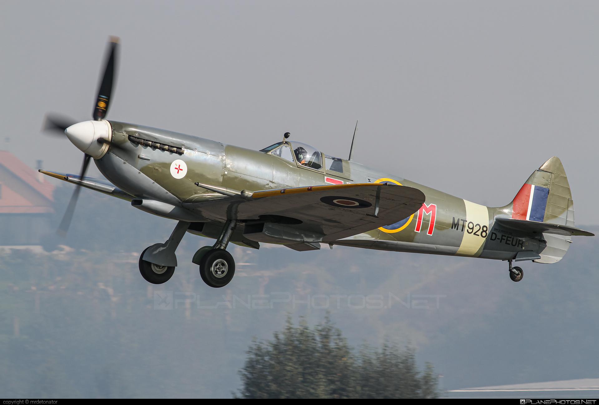 Supermarine Spitfire Mk.VIII - D-FEUR operated by Private operator #spitfire #spitfiremkviii #supermarine