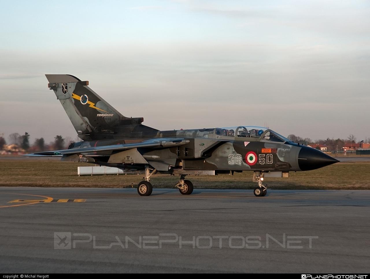 Panavia Tornado IDS - CMX7085 operated by Aeronautica Militare (Italian Air Force) #panavia #panaviatornado #tornadoids