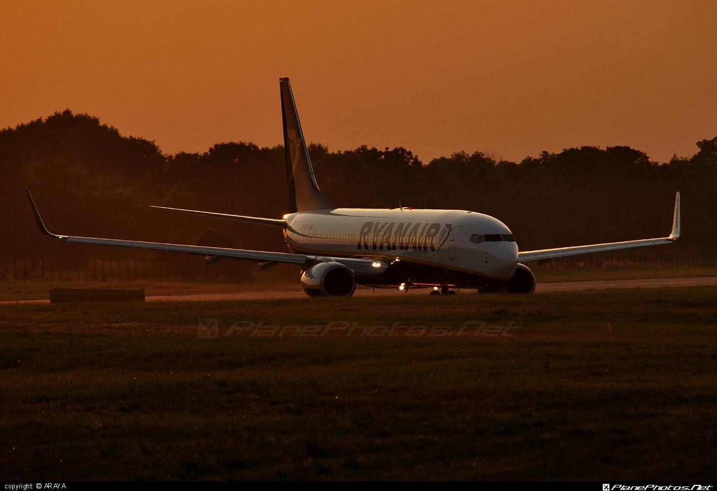 Boeing 737-800 - EI-EKI operated by Ryanair #b737 #b737nextgen #b737ng #boeing #boeing737 #ryanair