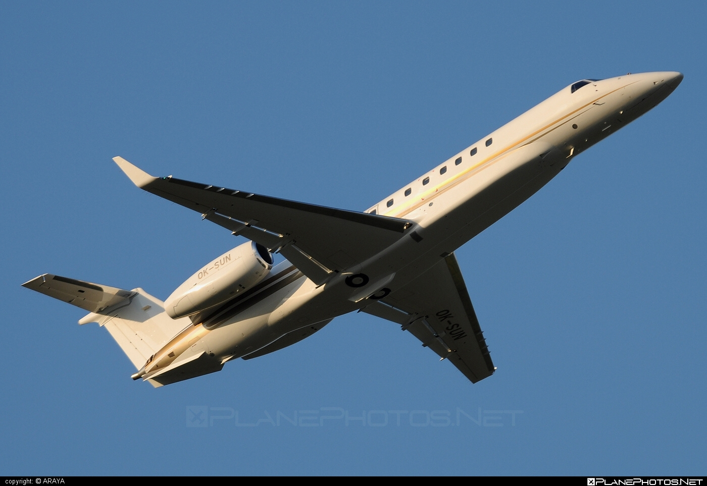 Embraer ERJ-135BJ Legacy - OK-SUN operated by ABS Jets #embraer #embraer135 #embraerlegacy #erj135 #erj135bj