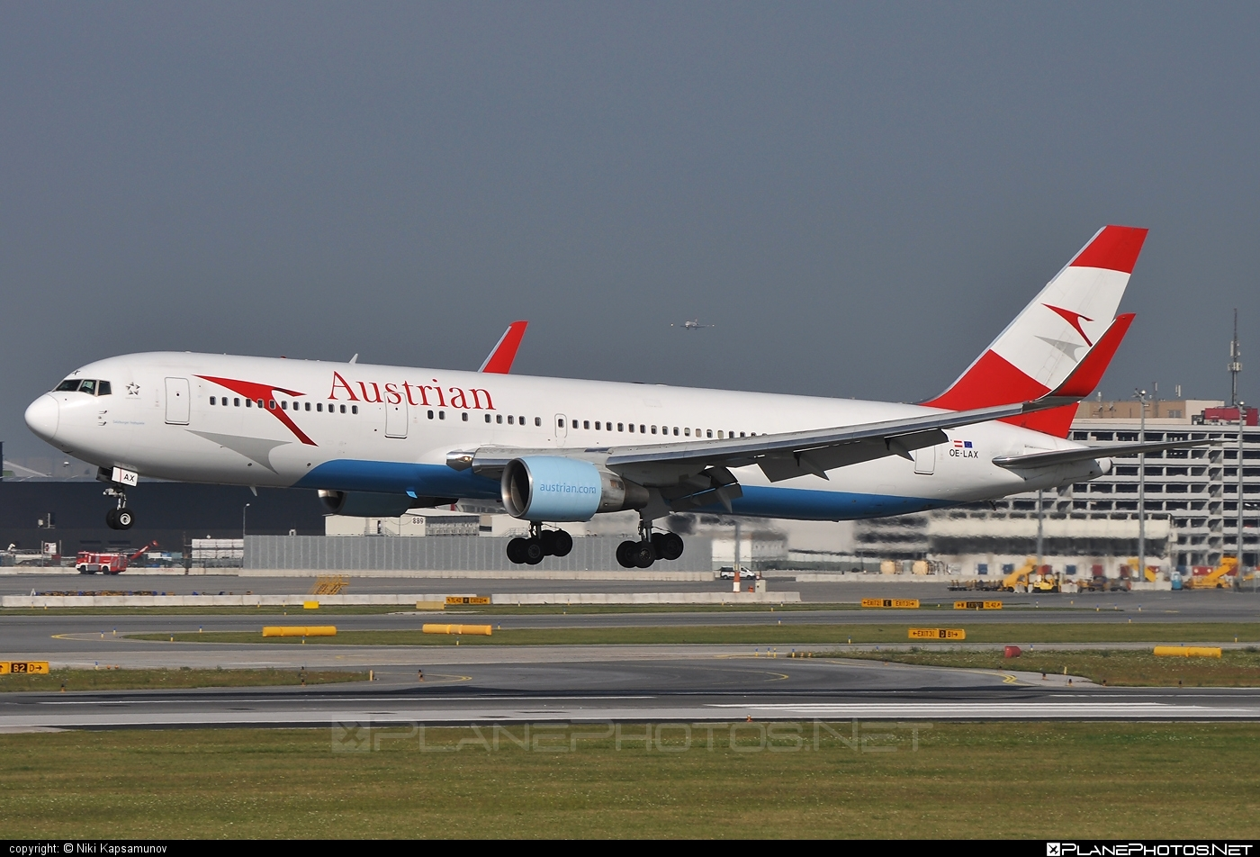 Boeing 767-300ER - OE-LAX operated by Austrian Airlines #b767 #b767er #boeing #boeing767