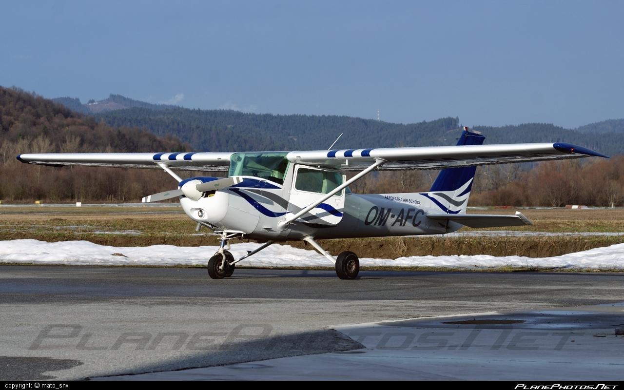 Cessna 152 - OM-AFC operated by Aerofatra #cessna #cessna152
