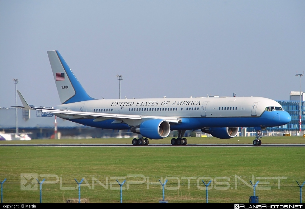 Boeing C-32A - 99-0004 operated by US Air Force (USAF) #boeing #usaf #usairforce