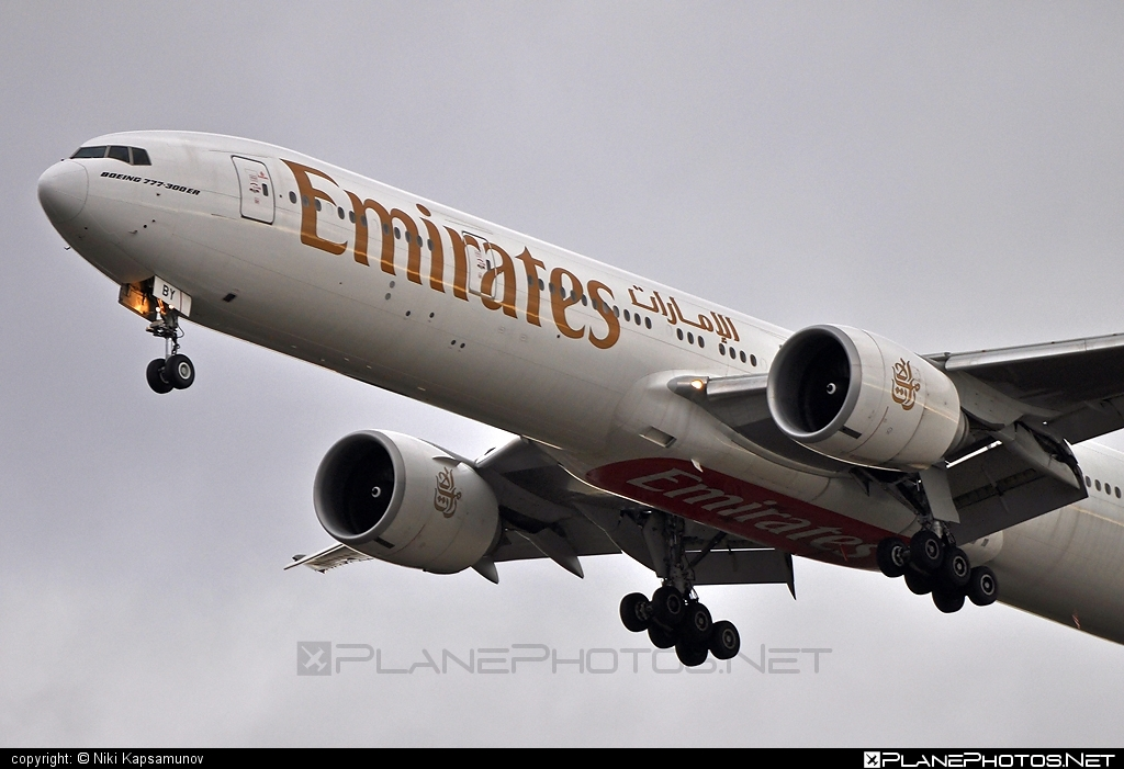 Boeing 777-300ER - A6-EBY operated by Emirates #b777 #b777er #boeing #boeing777 #emirates #tripleseven