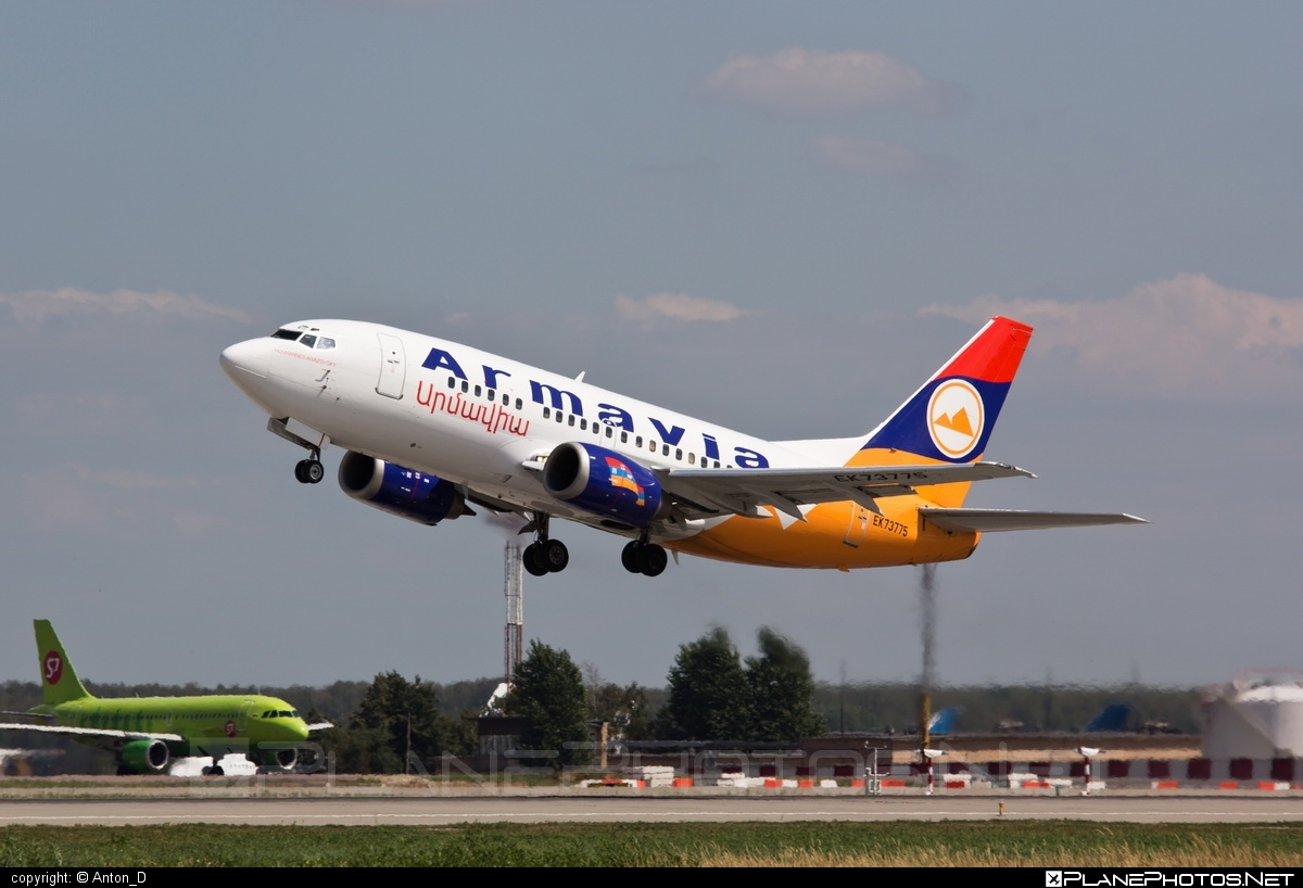Boeing 737-500 - EK-73775 operated by Armavia #b737 #boeing #boeing737