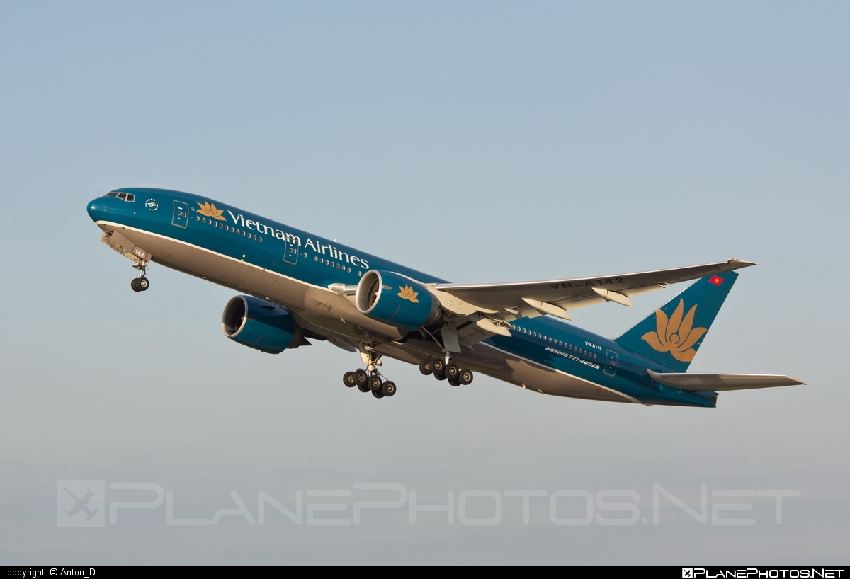Boeing 777-200ER - VN-A142 operated by Vietnam Airlines #b777 #b777er #boeing #boeing777 #tripleseven