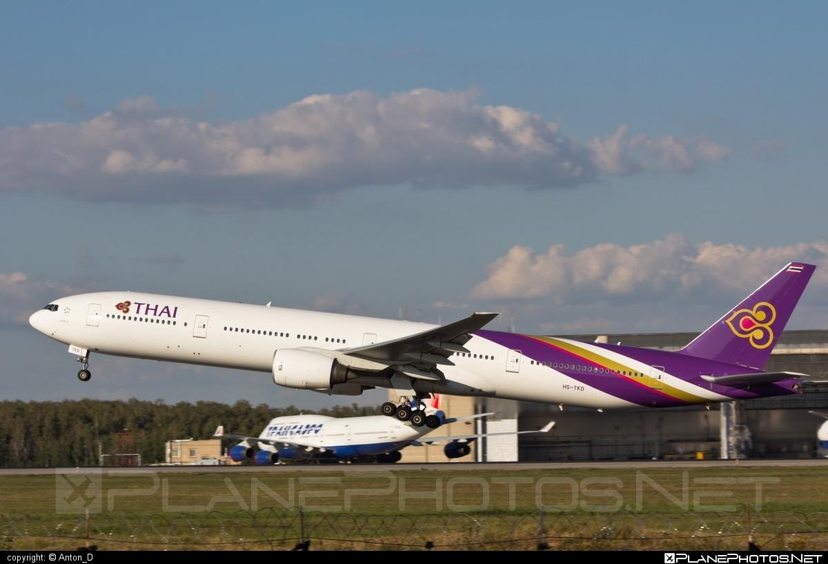 Boeing 777-300 - HS-TKD operated by Thai Airways #b777 #boeing #boeing777 #thaiairways #tripleseven