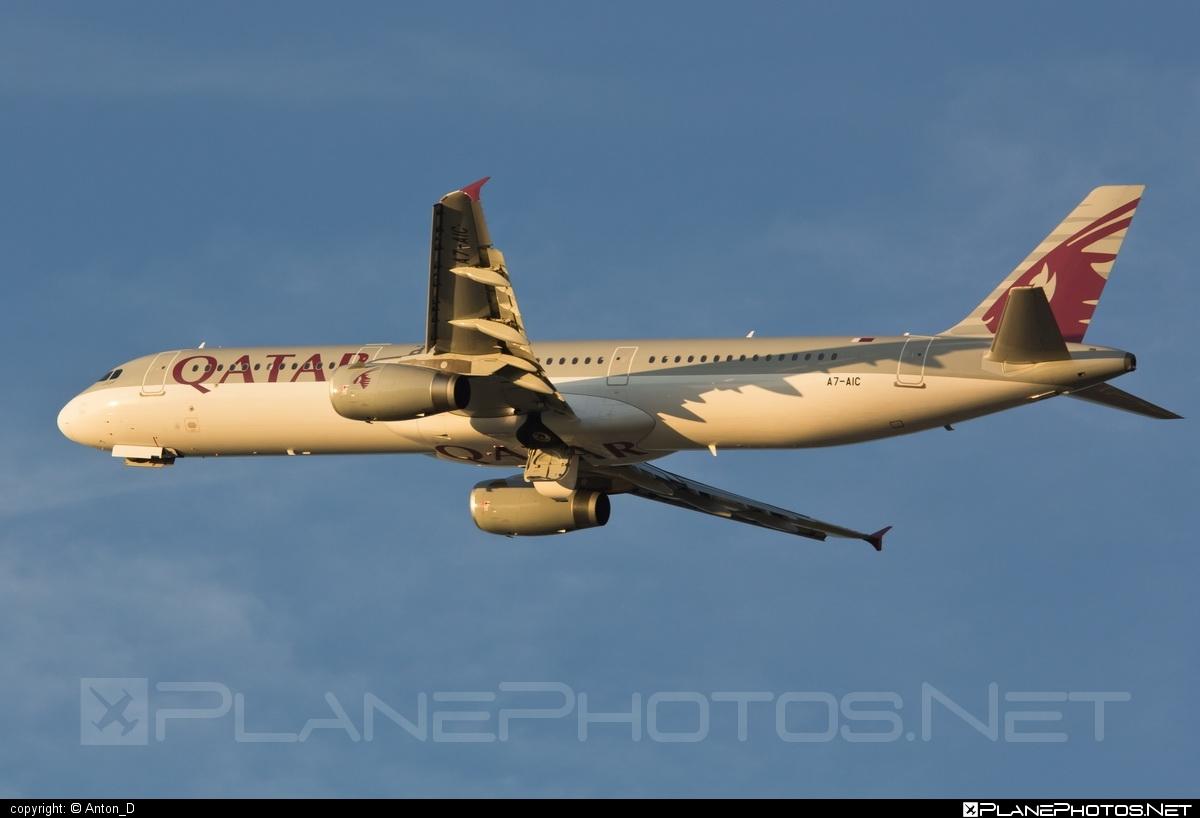 Airbus A321-231 - A7-AIC operated by Qatar Airways #a320family #a321 #airbus #airbus321 #qatarairways