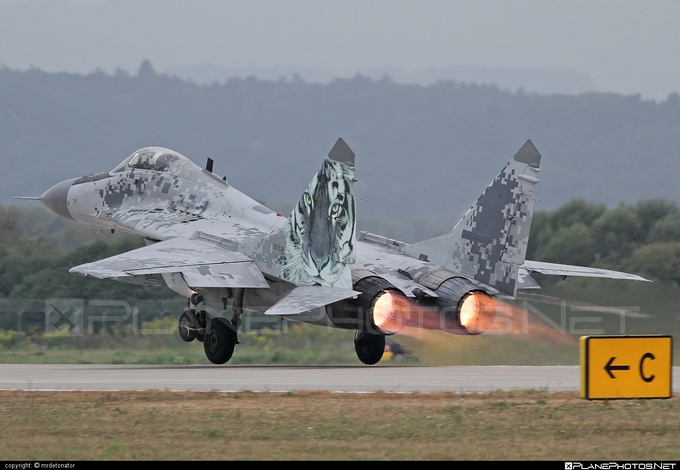 Mikoyan-Gurevich MiG-29AS - 0921 operated by Vzdušné sily OS SR (Slovak Air Force) #mig #mig29 #mig29as #mikoyangurevich #slovakairforce #vzdusnesilyossr