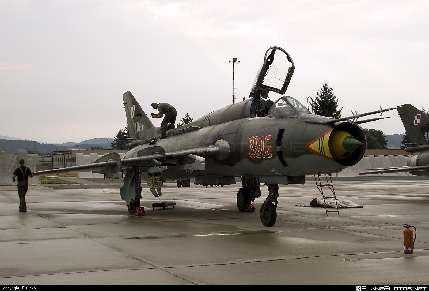 Sukhoi Su-22M4 - 3816 operated by Siły Powietrzne Rzeczypospolitej Polskiej (Polish Air Force) #polishairforce #silypowietrzne #sukhoi