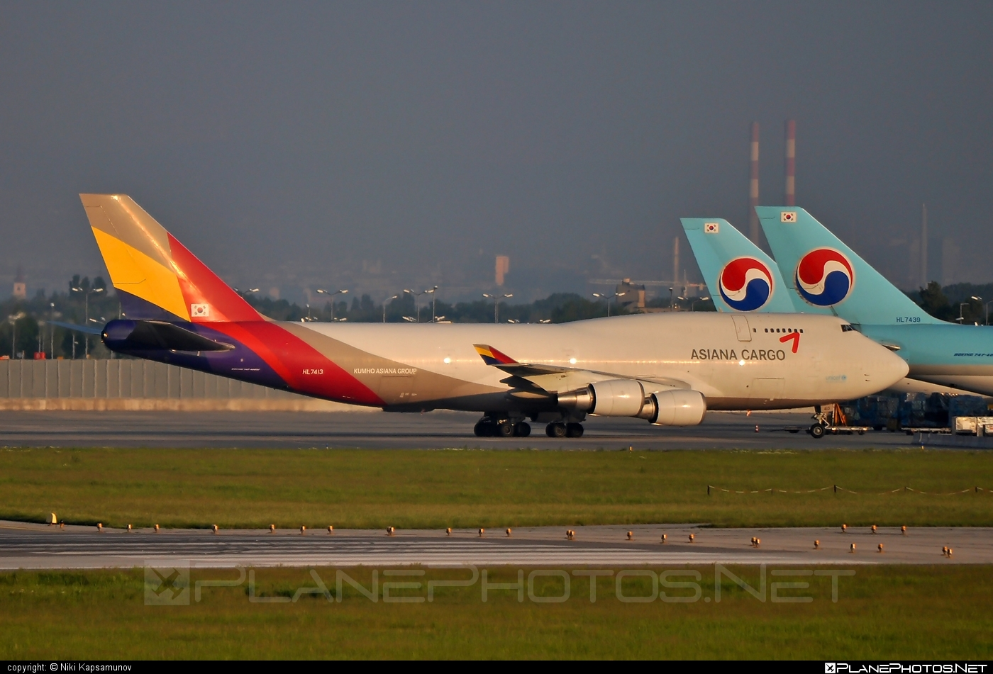 Boeing 747-400BDSF - HL7413 operated by Asiana Cargo #asianacargo #b747 #b747bdsf #b747freighter #bedekspecialfreighter #boeing #boeing747 #jumbo