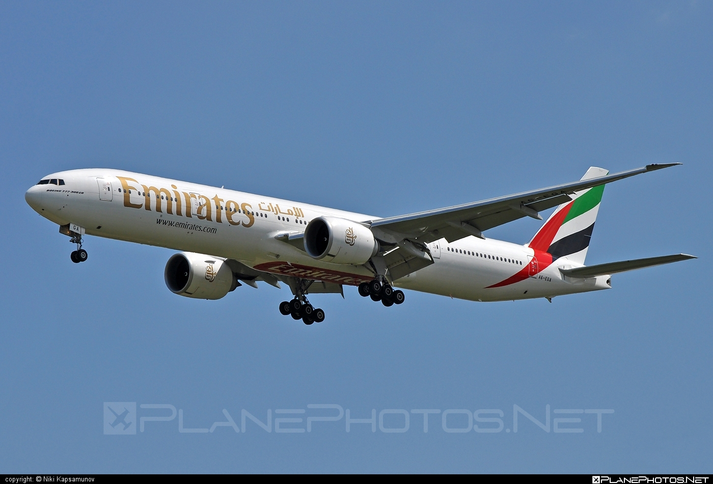 Boeing 777-300ER - A6-EGA operated by Emirates #b777 #b777er #boeing #boeing777 #emirates #tripleseven