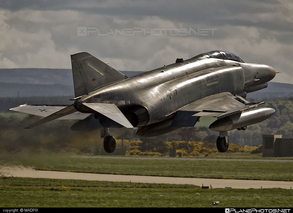 McDonnell Douglas F-4F Phantom II - 37+17 operated by Luftwaffe (German Air Force) #GermanAirForce #luftwaffe #mcdonnelldouglas