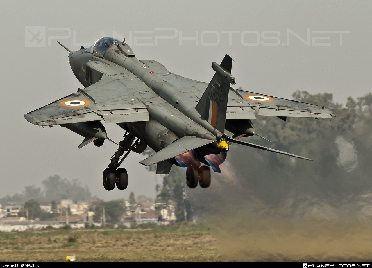 Sepecat Jaguar IS - JS208 operated by Bharatiya Vāyu Senā (Indian Air Force)