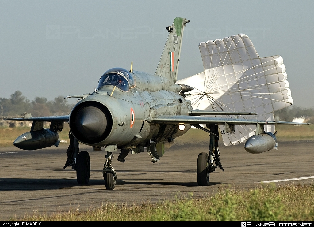 Hindustan MiG-21 Bison - CU2212 operated by Bharatiya Vāyu Senā (Indian Air Force) #hindustan #mig21 #mig21bison
