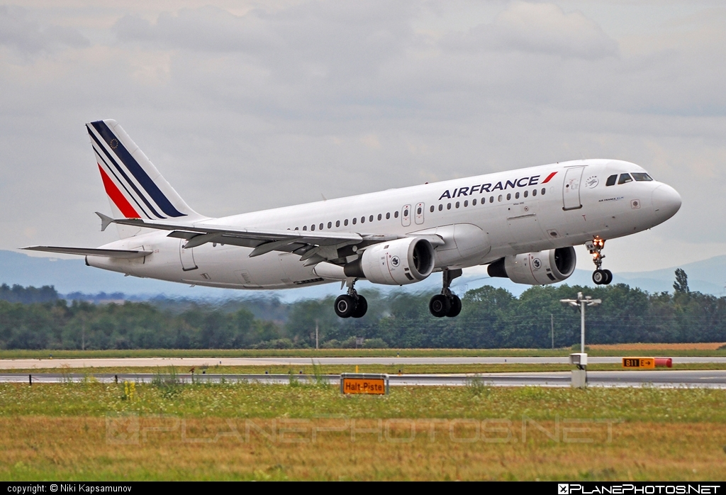 Airbus A320-211 - F-GFKM operated by Air France #a320 #a320family #airbus #airbus320 #airfrance
