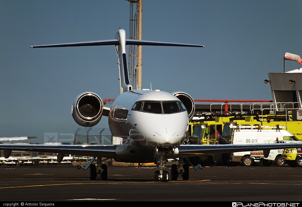 Bombardier Challenger 300 (BD-100-1A10) - VP-BJT operated by Private operator #bd1001a10 #bombardier #challenger300