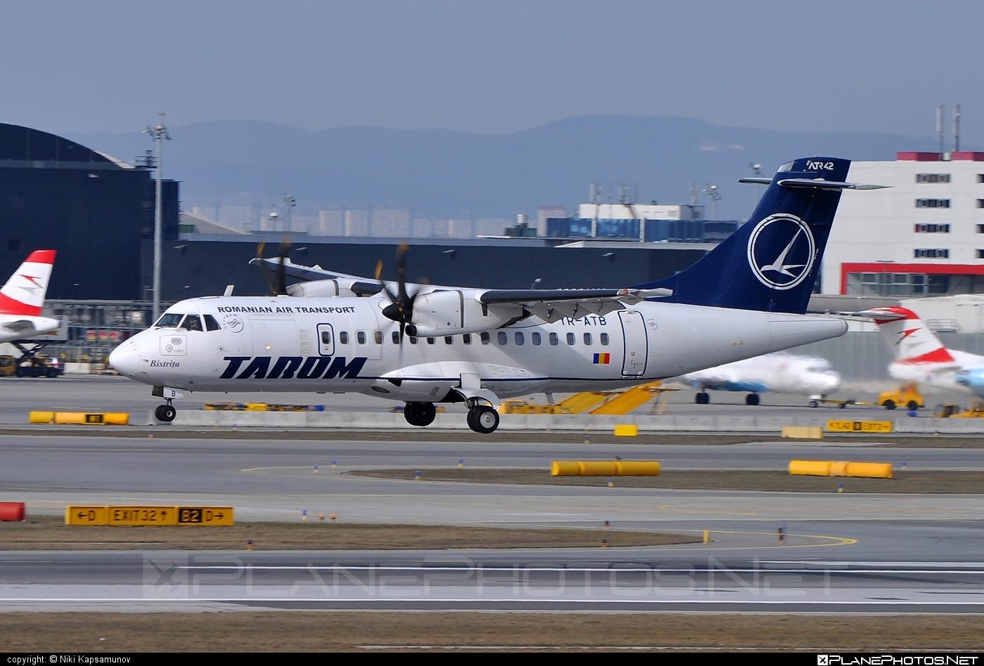 ATR 42-500 - YR-ATB operated by Tarom #atr #atr42 #atr42500