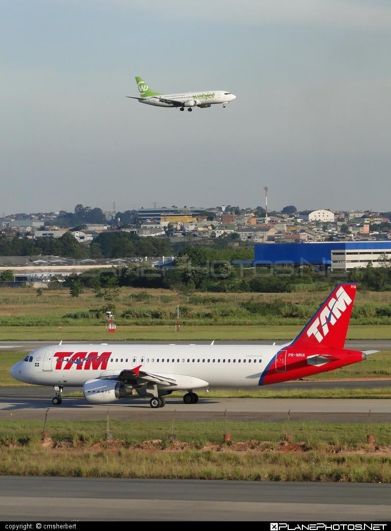 Airbus A320-214 - PR-MHA operated by TAM Linhas Aéreas #a320 #a320family #airbus #airbus320 #tam #tamairlines #tamlinhasaereas