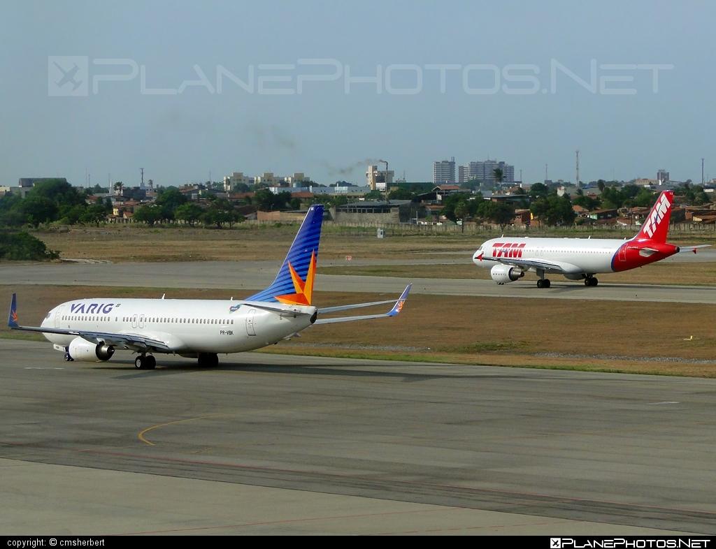 Boeing 737-800 - PR-VBK operated by Varig #b737 #b737nextgen #b737ng #boeing #boeing737