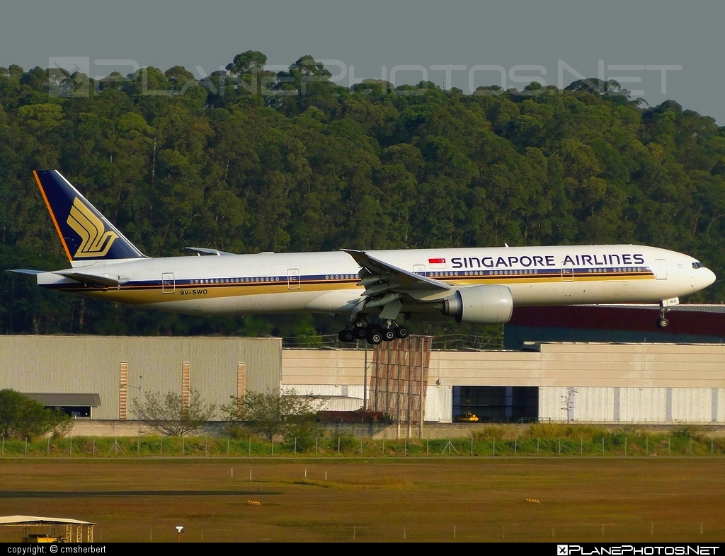 Boeing 777-300ER - 9V-SWO operated by Singapore Airlines #b777 #b777er #boeing #boeing777 #singaporeairlines #tripleseven