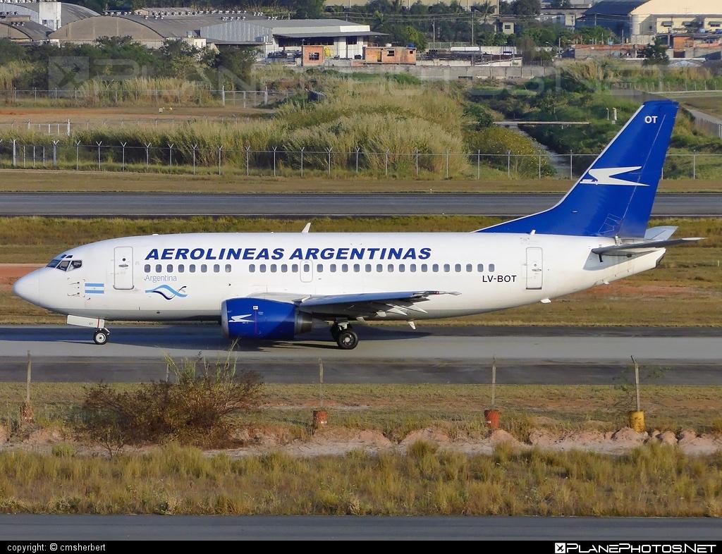Boeing 737-500 - LV-BOT operated by Aerolíneas Argentinas #b737 #boeing #boeing737