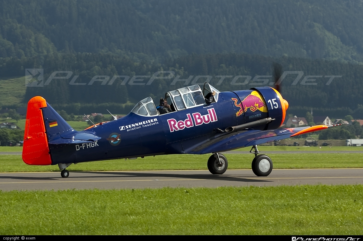 Noorduyn AT-16 Harvard IIB - D-FHGK operated by Private operator #airpower #airpower2009 #noorduyn