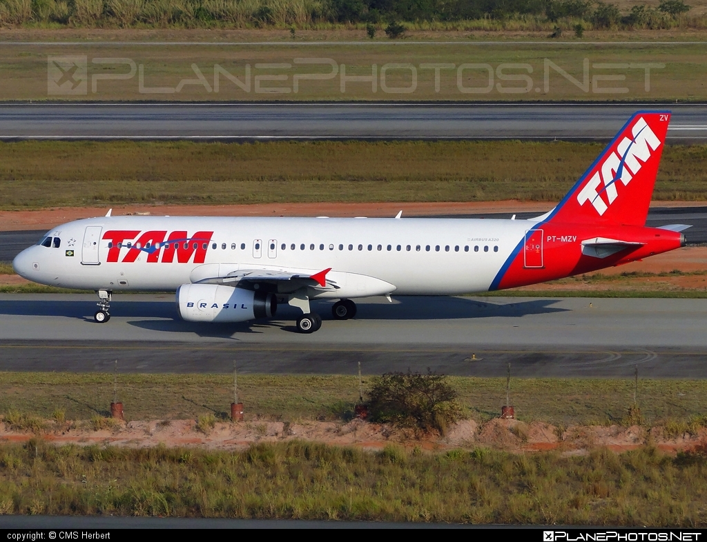 Airbus A320-232 - PT-MZV operated by TAM Linhas Aéreas #a320 #a320family #airbus #airbus320 #tam #tamairlines #tamlinhasaereas