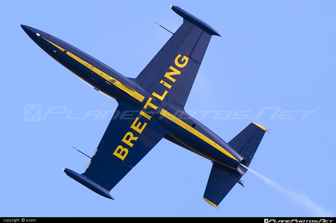 Aero L-39C Albatros - ES-YLX operated by Breitling Apache Jet Team #aero #aerol39 #aerol39albatros #aerol39calbatros #airpower #airpower2009 #albatros #breitlingapachejetteam #l39 #l39c #l39calbatros