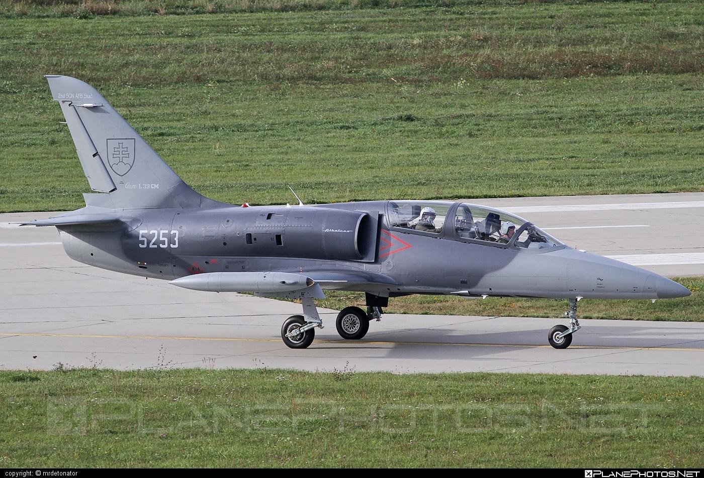 Aero L-39CM Albatros - 5253 operated by Vzdušné sily OS SR (Slovak Air Force) #aero #slovakairforce #vzdusnesilyossr