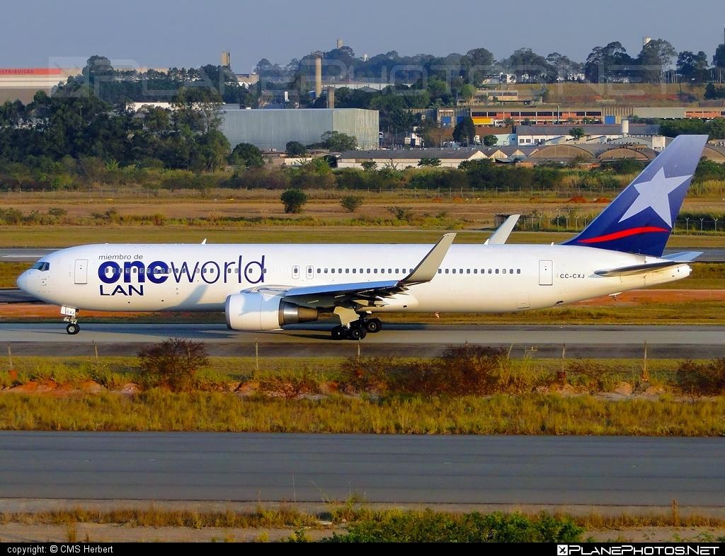 Boeing 767-300ER - CC-CXJ operated by LAN #b767 #b767er #boeing #boeing767 #oneworld