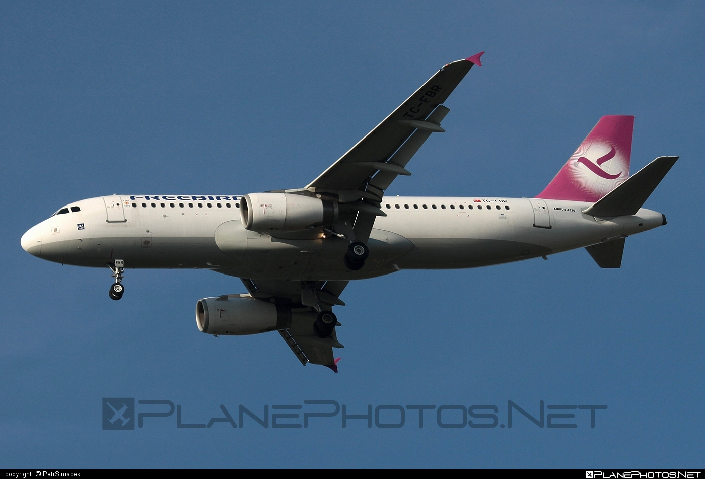 Airbus A320-232 - TC-FBR operated by Freebird Airlines #a320 #a320family #airbus #airbus320