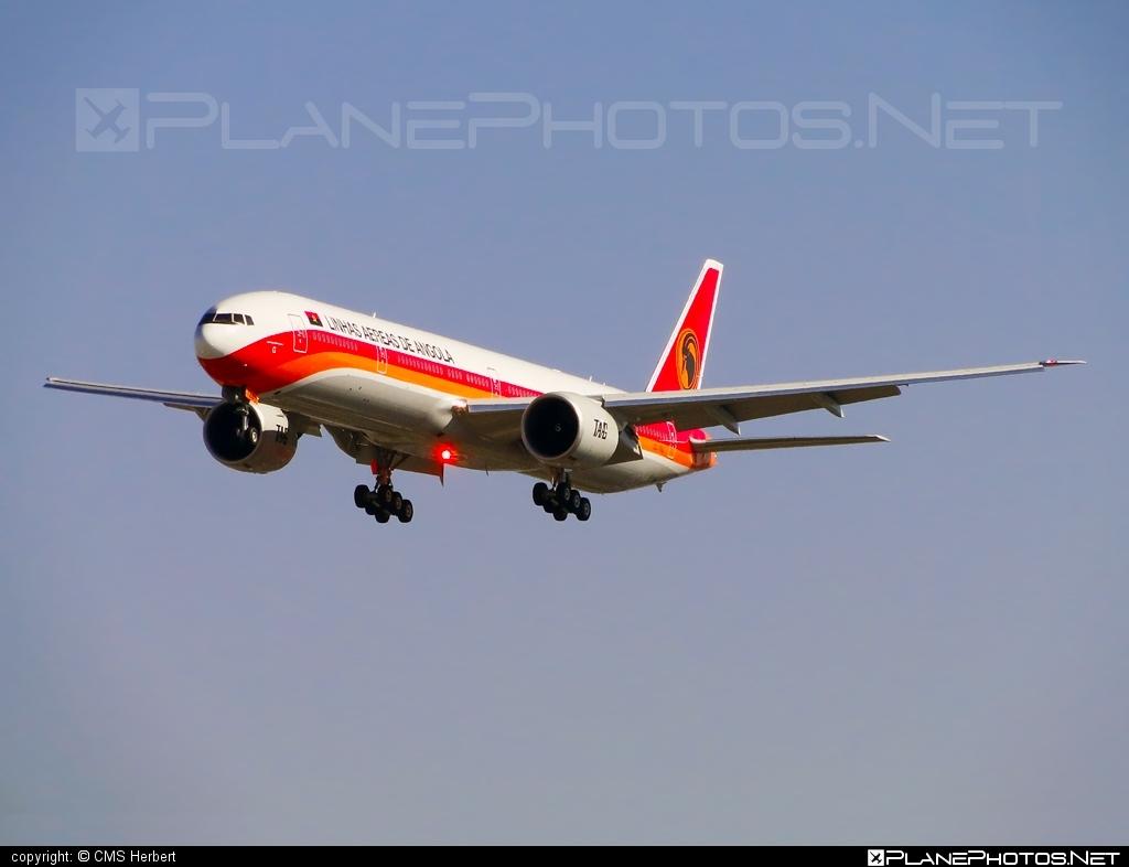 Boeing 777-300ER - D2-TEG operated by TAAG Linhas Aéreas de Angola #b777 #b777er #boeing #boeing777 #tripleseven